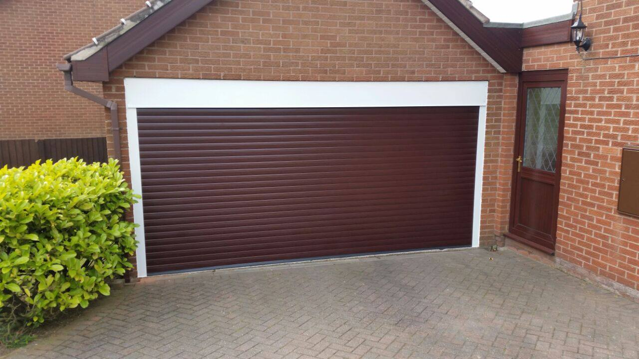 77mm lath in a Rosewood finish