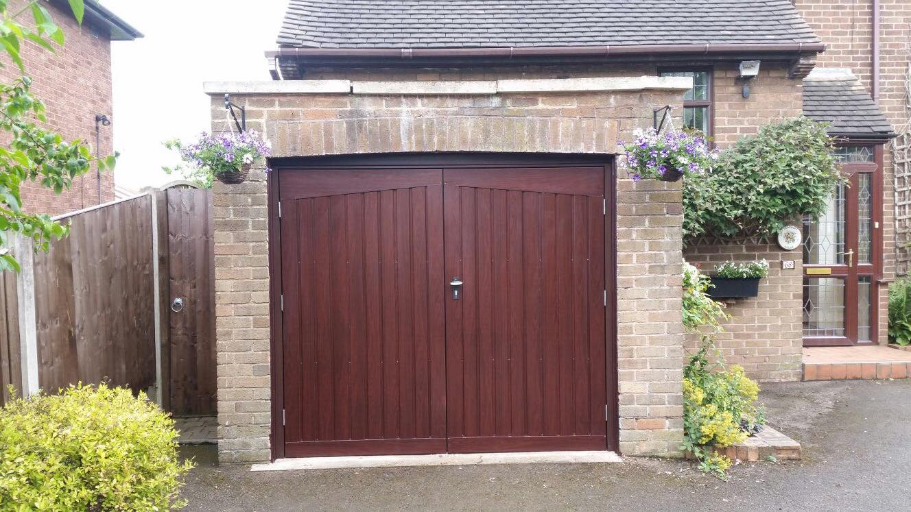 1 x Fort side hinged garage door in rosewood, mid rib - vertical pattern.