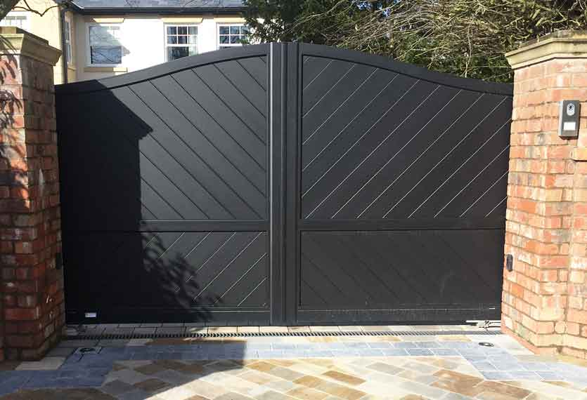 Horizal - Limnos design - A contemporary, aluminium, automated swing gate in a black finish