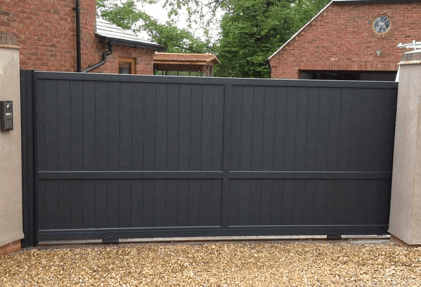 Horizal - From the contemporary collection- An aluminium sliding gate in Jabal anthracite