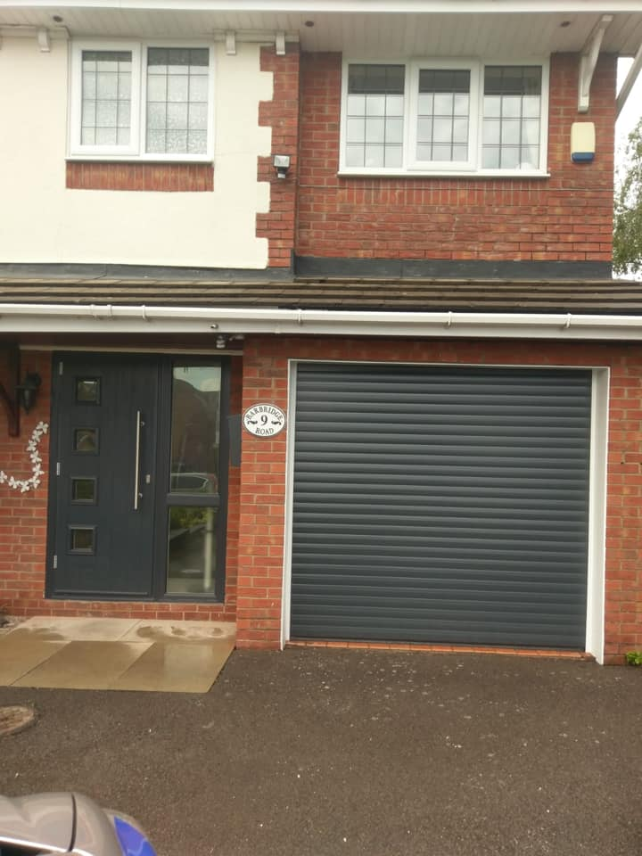 77mm Stylish roller door in Anthracite Grey with a White kit, complete with 2 remote controls